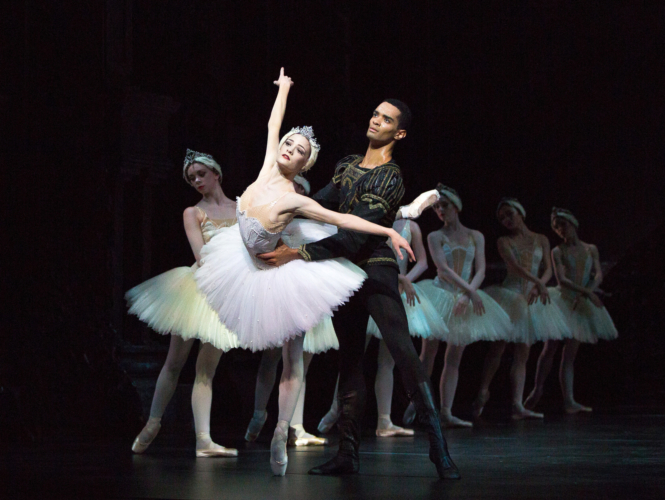 <p><em>Swan Lake: </em>Delia Mathews as Odette and Brandon Lawrence as Prince Siegfried</p>. Credit: Andrew Ross.