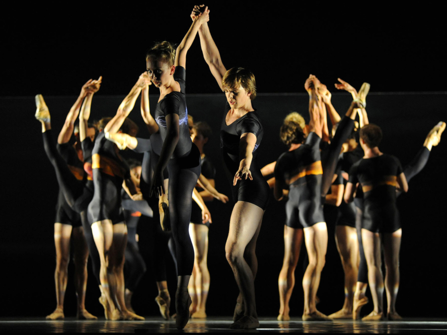 <p><em>E=mc²: </em>Elisha Willis and Joseph Caley with Artists of Birmingham Royal Ballet in 'Energy'</p>. Credit: Roy Smiljanic.