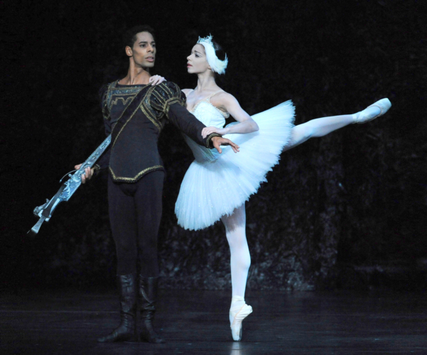 <p><em>Swan Lake:</em> Céline Gittens as Odette and Tyrone Singleton as Prince Siegfried</p>. Credit: Roy Smiljanic.