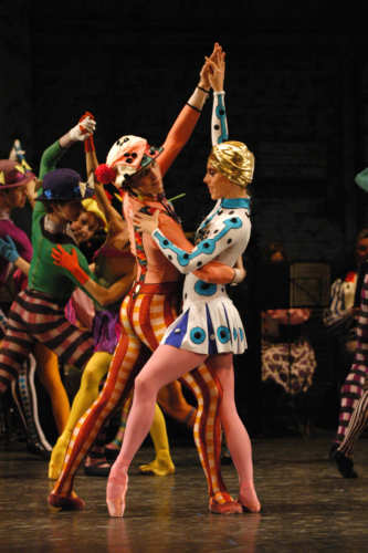 <p><em>Elite Syncopations: </em>Victoria Marr and Steven Monteith in 'Sunflower Slow Drag'</p>. Credit: Brian Slater.
