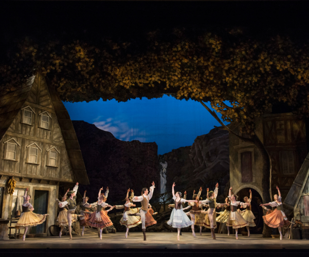 <p><em>Giselle: </em>Jenna Roberts as Giselle and Iain Mackay as Albrecht with Artists of Birmingham Royal Ballet</p>. Credit: Bill Cooper.