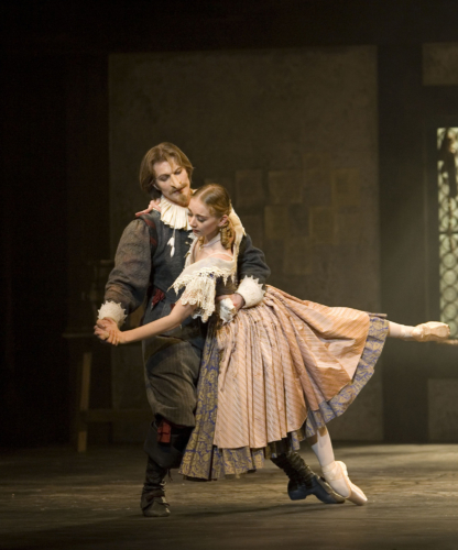 <p><em>Cyrano: </em>Elisha Willis as Roxane and Robert Parker as Cyrano</p>. Credit: Bill Cooper.