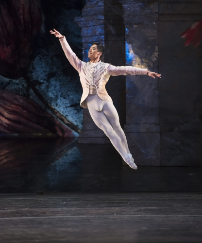 <p><em>The Nutcracker: </em>Tzu-Chao Chou as the Prince</p>. Credit: Bill Cooper.