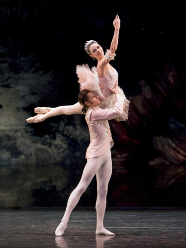 <p><em>The Nutcracker:</em> Natasha Oughtred as the Sugar Plum Fairy and Jamie Bond as the Prince</p>. Credit: Bill Cooper.