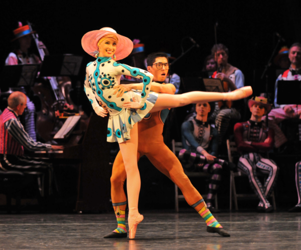 <p><em>Elite Syncopations: </em>Callie Roberts and Tzu-Chao Chou in 'Alaskan Rag'</p>. Credit: Phil Hitchman.