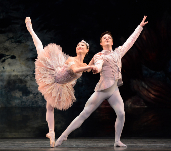 <p><em>The Nutcracker:</em> Momoko Hirata as the Sugar Plum Fairy and Joseph Caley as the Prince</p>. Credit: Bill Cooper.
