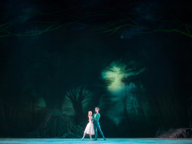 <p><em>The Dream:</em> Nao Sakuma as Titania and Matthew Lawrence as Oberon</p>. Credit: Bill Cooper.