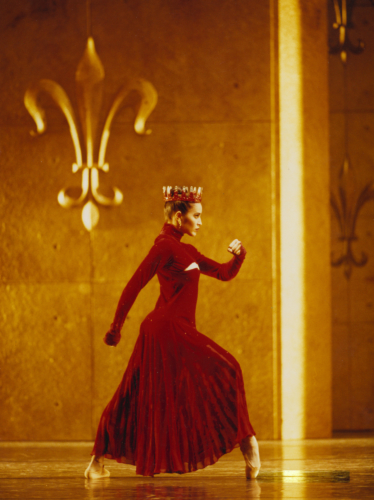 <p><em>Edward II: </em>Leticia Müller as Queen Isabella</p>. Credit: Bill Cooper.