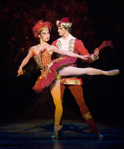 <p><em>The Firebird:</em> Nao Sakuma as the Firebird and Iain Mackay as Ivan Tsarevich</p>. Credit: Bill Cooper.
