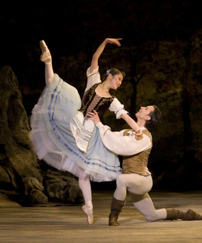 <p><em>Giselle:</em> Nao Sakuma as Giselle and Matthew Lawrence as Albrecht</p>. Credit: Bill Cooper.
