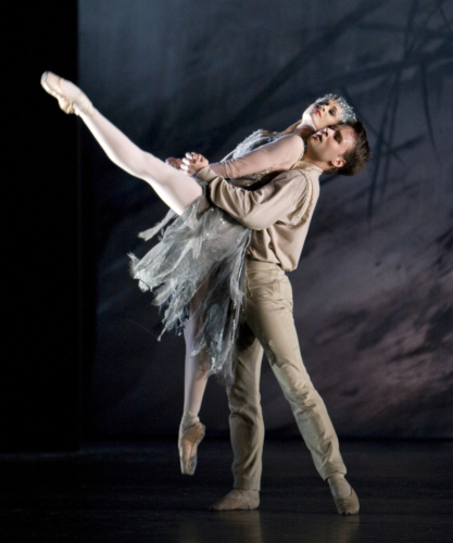 <p><em>Le Baiser de la fée: </em>Jenna Roberts as the Fairy and Alexander Campbell as the Young Man</p>. Credit: Bill Cooper.