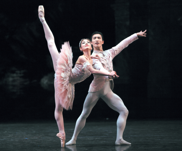 <p><em>The Nutcracker: </em>Nao Sakuma as the Sugar Plum Fairy and Chi Cao as the Prince</p>. Credit: Steve Hanson @Emma Rothera.