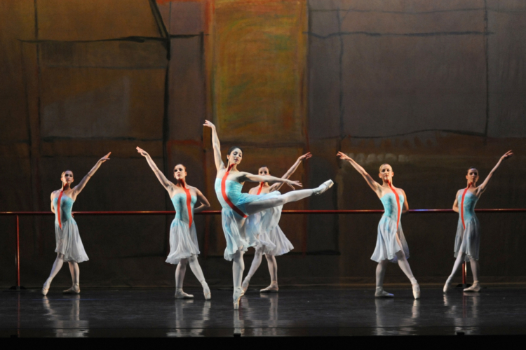 <p><em>The Dance House:</em> Angela Paul with Artists of Birmingham Royal Ballet</p>. Credit: Roy Smiljanic.