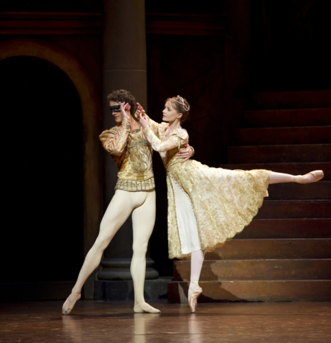 <p><em>Romeo and Juliet: </em>Jenna Roberts as Juliet and Iain Mackay as Romeo</p>. Credit: Bill Cooper.
