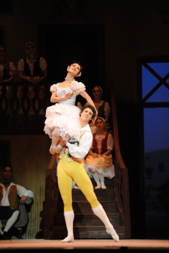 <p><em>La Fille mal gardée: </em>Nao Sakuma as Lise and Iain Mackay as Colas</p>. Credit: Roy Smiljanic.