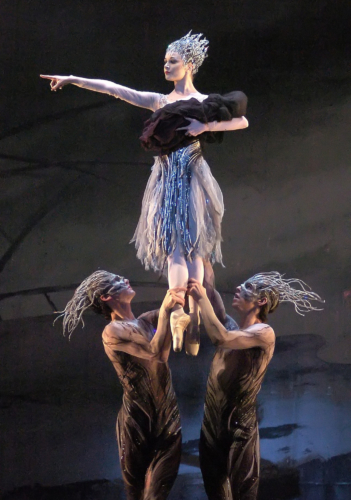 <p><em>Le Baiser de la fée: </em>Jenna Roberts as the Fairy with Tom Rogers and Aonghus Hoole as Sprites</p>. Credit: Roy Smiljanic.