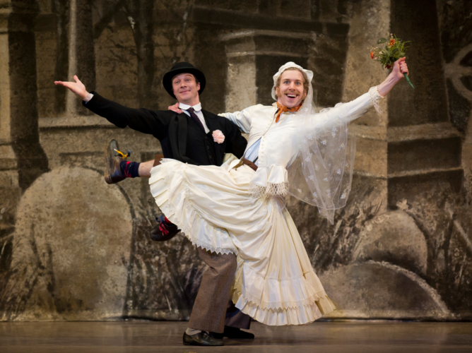 <p><em>Hobson's Choice:</em> Robert Parker as Will Mossop and Feargus Campbell as the Bride</p>. Credit: Bill Cooper.