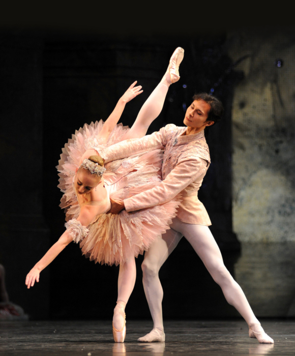 <p><em>The Nutcracker: </em>Elisha Willis as the Sugar Plum Fairy and César Morales as the Prince</p>. Credit: Roy Smiljanic.
