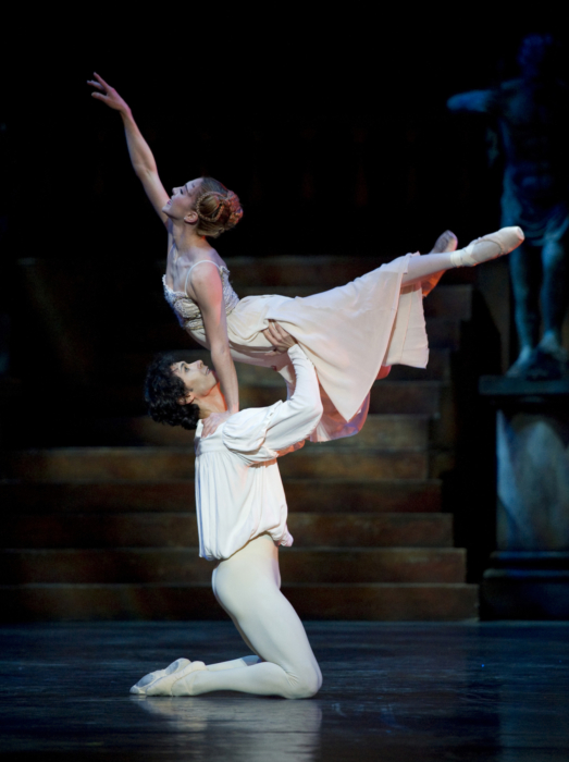 <p><em>Romeo and Juliet: </em>Ambra Vallo as Juliet and César Morales as Romeo</p>. Credit: Bill Cooper.