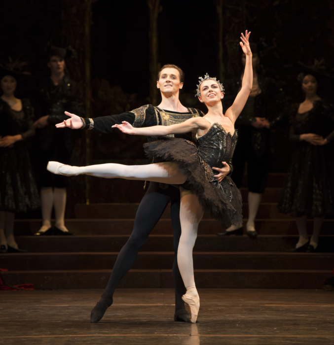 <p><em>Swan Lake</em>: Natasha Oughtred as Odile and Jamie Bond as Prince Siegfried</p>. Credit: Bill Cooper.