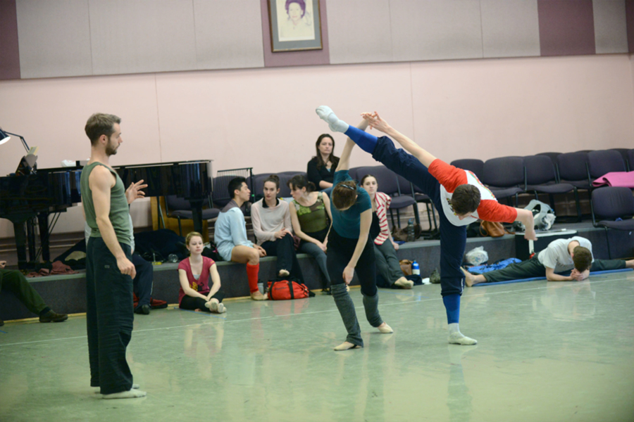 Alexander Whitley working with dancers from Birmingham Royal Ballet.