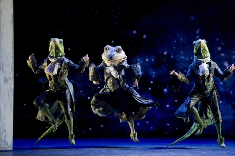 James Barton as the Frog Coachman with Valentin Olovyannikov and Jonathan Payn as Lizard Footman. Credit: Bill Cooper.