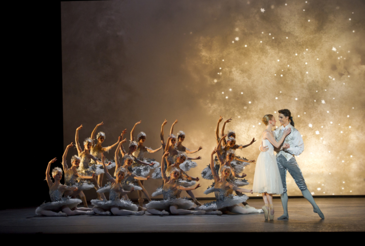 Elisha Willis as Cinderella and Iain Mackay as the Prince with Artists of Birmingham Royal Ballet. Credit: Bill Cooper.