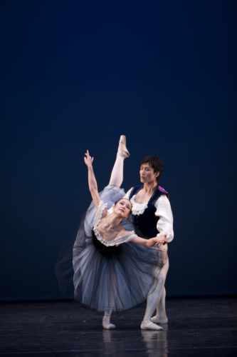 Mozartiana: Nao Sakuma and Chi Cao. Credit: Bill Cooper.
