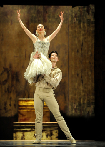 <p><em>Le Baiser de la fée</em>: Miki Mizutani as The Bride with Mathias Dingman as the Young Man</p>. Credit: Roy Smiljanic​.