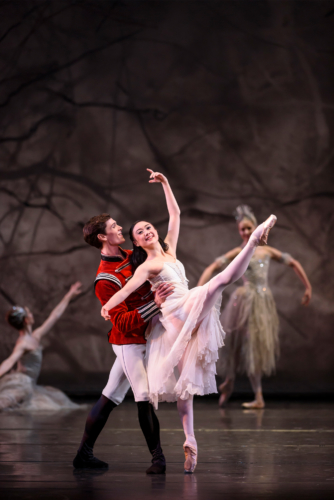 <p><em>The Nutcracker</em>: Miki Mizutani as Clara and William Bracewell as the Prince</p>. Credit: Bill Cooper.