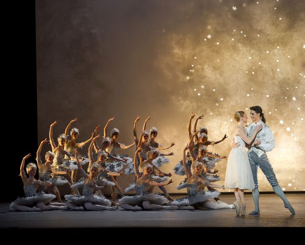 <p><em>Cinderella: </em>Elisha Willis as Cinderella and Iain Mackay as the Prince with Artists of Birmingham Royal Ballet</p>. Credit: Bill Cooper.