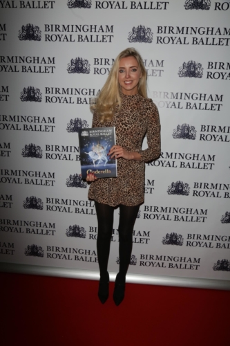<p>Actress Alice Barlow arrives for the show.</p>.