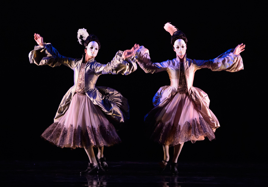 The-King-Dances-Jonathan-Caguioa-and-Max-Maslen-as-Mesdames-photo-Bill-Cooper
